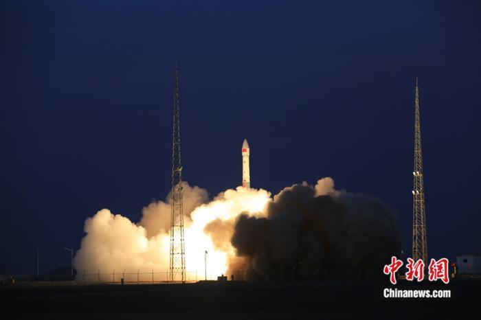 一箭雙星 中國成功發射全球多媒體衛星系統α階段A、B衛星_運載火箭
