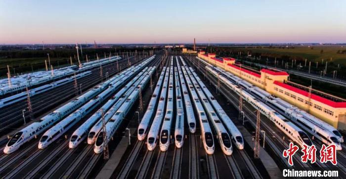 黑龙江省将迎今冬首场暴雪 哈铁增开6对临客助旅客出行_哈尔滨