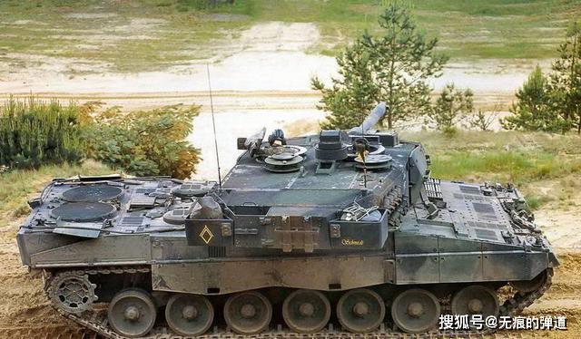 """90式主战坦克是""""豹2""""的翻版吗?翻版都不是,日本人学不来_炮塔"""