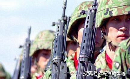 日本自卫队的主战步枪——89式自动步枪,看看如何,给个评价_突击