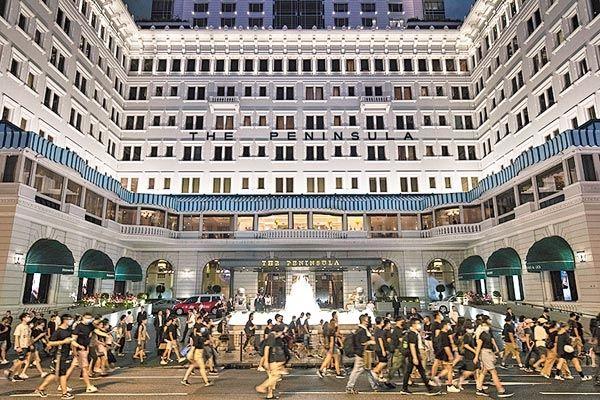 香港半岛酒店第三季度可出租客房收入同比跌近半!有酒店降价求售_物业