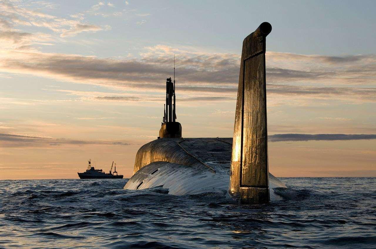 美國剛出手,8 艘核潛艇就突破封鎖:32萬把步槍免費放給民眾_進行