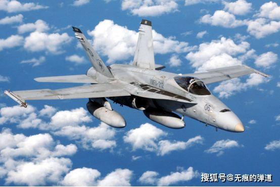 """接替""""熊猫""""的""""大黄蜂"""",美国海军F/A-18战斗机,一直在升级中_设计"""
