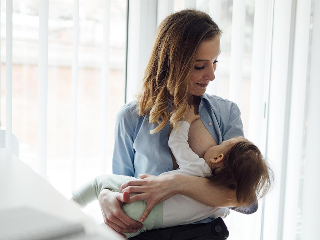 母乳喂养的好处和断奶时间