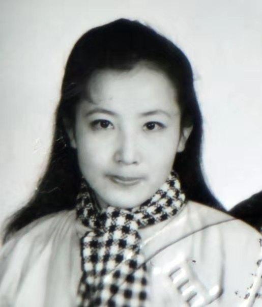 山西禹门51岁杀人女嫌犯又一照片公布!潜逃17年被悬赏10万