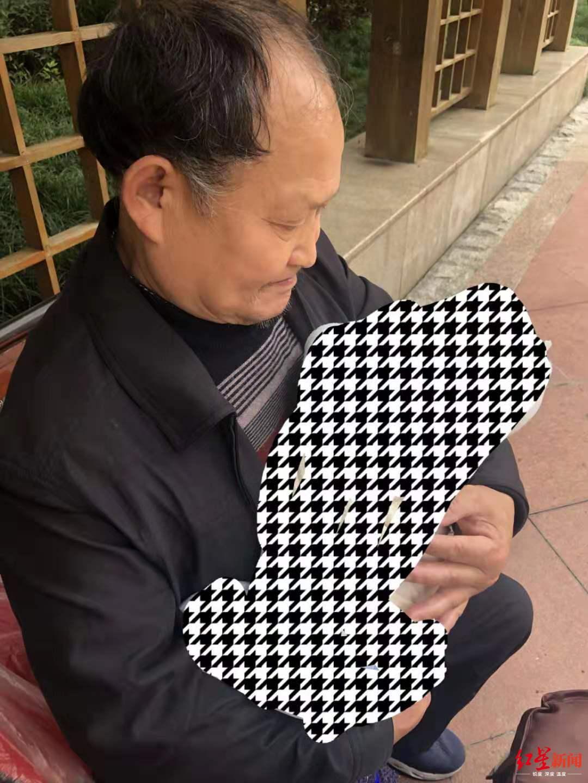 成都温江六旬聋哑老人走失3天监控中最后出现在公平学校南门