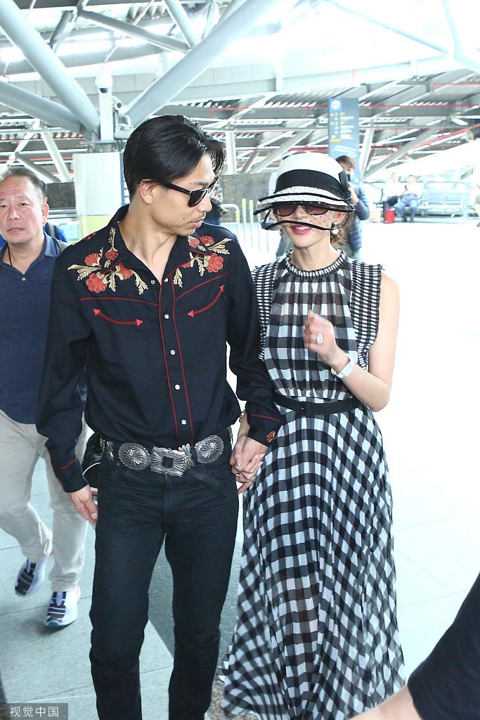 林志玲婚后将随老公AKIRA定居日本?本人四字回应