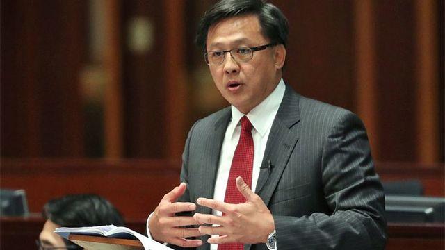 香港市民向法院请愿公正审判何君尧遇刺案!呼吁严惩暴徒还公道