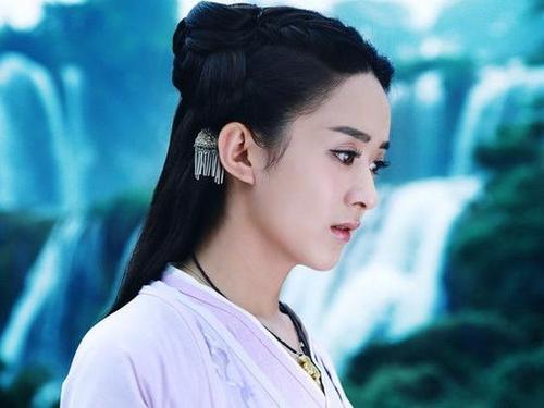 侧颜最美古装女神,杨幂赵丽颖刘亦菲谁更仙?
