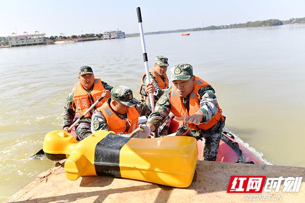 三星kies湖南省军区组织600余名基干民兵参加大比