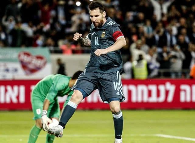 梅西1V6神级过人戏耍对手,1射1传激活阿圭罗,再次拯救阿根廷_比赛