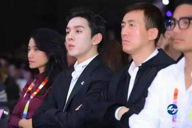 """""""今天,我是创业者,李佳琦""""_直播"""