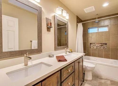 家装 达人支招:装修不要忽视浴室色调(图3)