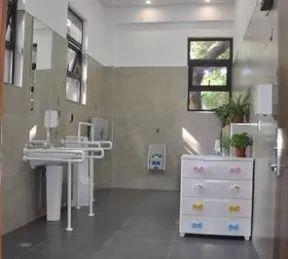 上海1810座公廁免費提供廁紙,近半公廁可提供熱水洗手_廁所