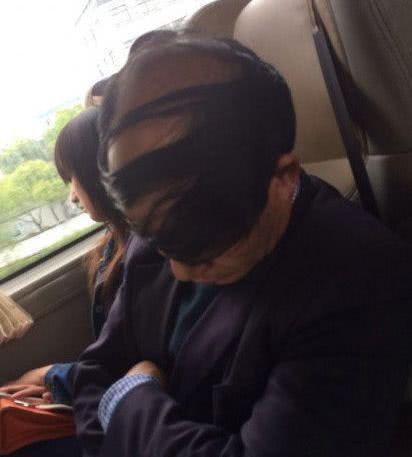 搞笑GIF:纯天然眼罩。。。我表示已笑到不能自已_关羽身