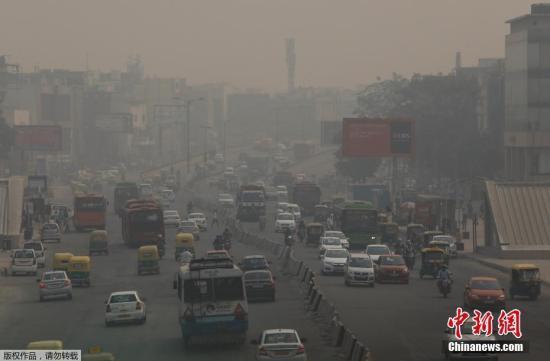 印度新德里空气污染严重 氧吧生意日渐兴隆_Oxy