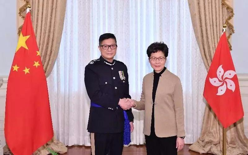"""港警""""一哥""""調整,600人自首,警隊口號也改了_香港"""