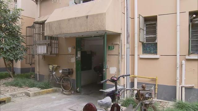 申晨间 | 上海一小区居民5年没办法开窗开门,原因实在让人一声叹息