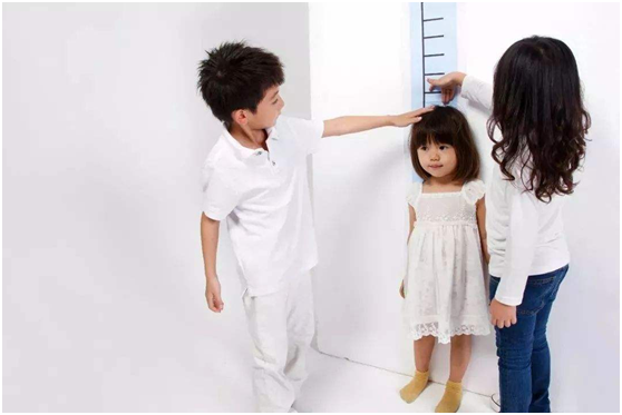 """""""12岁才1米3,娃营养不良""""?对照2019年儿童身高表,趁冬季补上"""