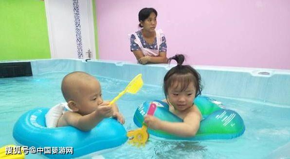 冬季婴儿游泳不仅能提高宝宝食欲,还有这些好处!