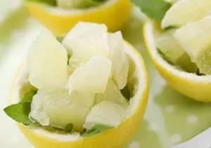 吃剩的柚子皮千万别扔!