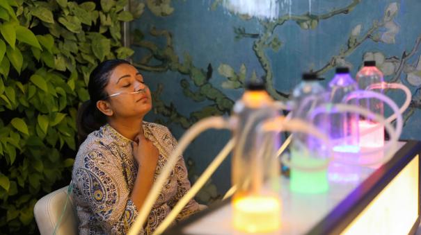 花钱买空气!印度空气质量告急 民众可花50元吸氧15分