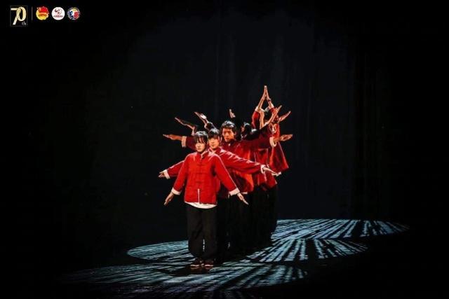 全国街舞精英团队广州展演!有的融入围棋武术,有的混搭潮汕英歌
