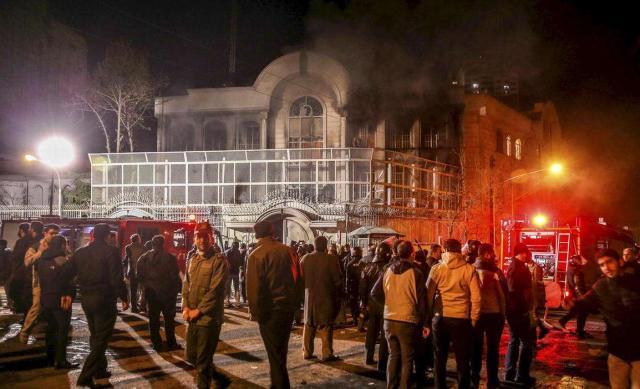 军事-示威活动突发重大变故,3名军人被暴徒刺死,伤亡人数仍会上涨