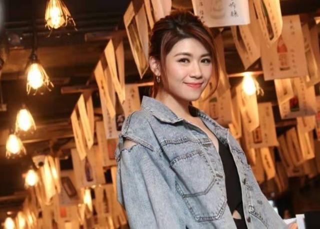 因身份原因令恋情告终 前任分手一年后结婚 香港女歌手凭歌寄意