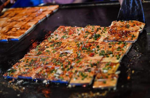 """东北街头最出名的四种""""特色小吃"""",个个量大又实惠,你吃过吗?"""