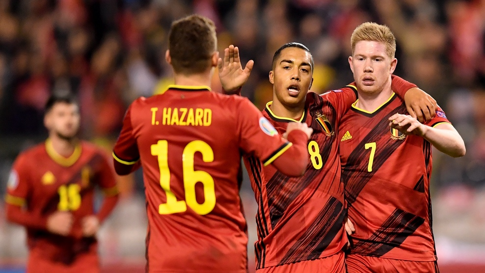 原创             十战全胜!一场6-1踢出欧洲杯头号热门,红魔给全欧一道无解题!
