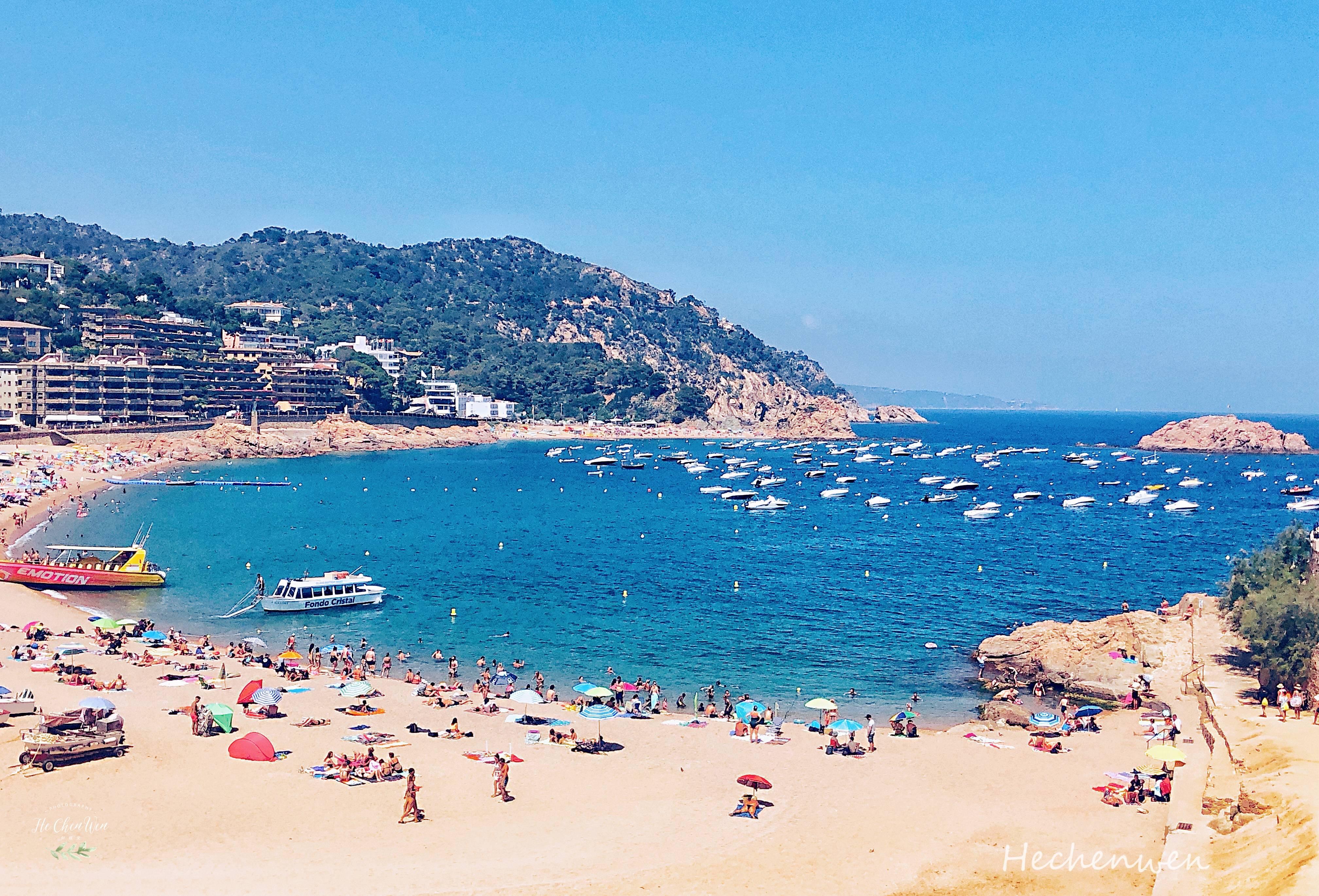 寻找蓝色大海的传说,探秘最美海滨小镇,打卡迪丽热巴同