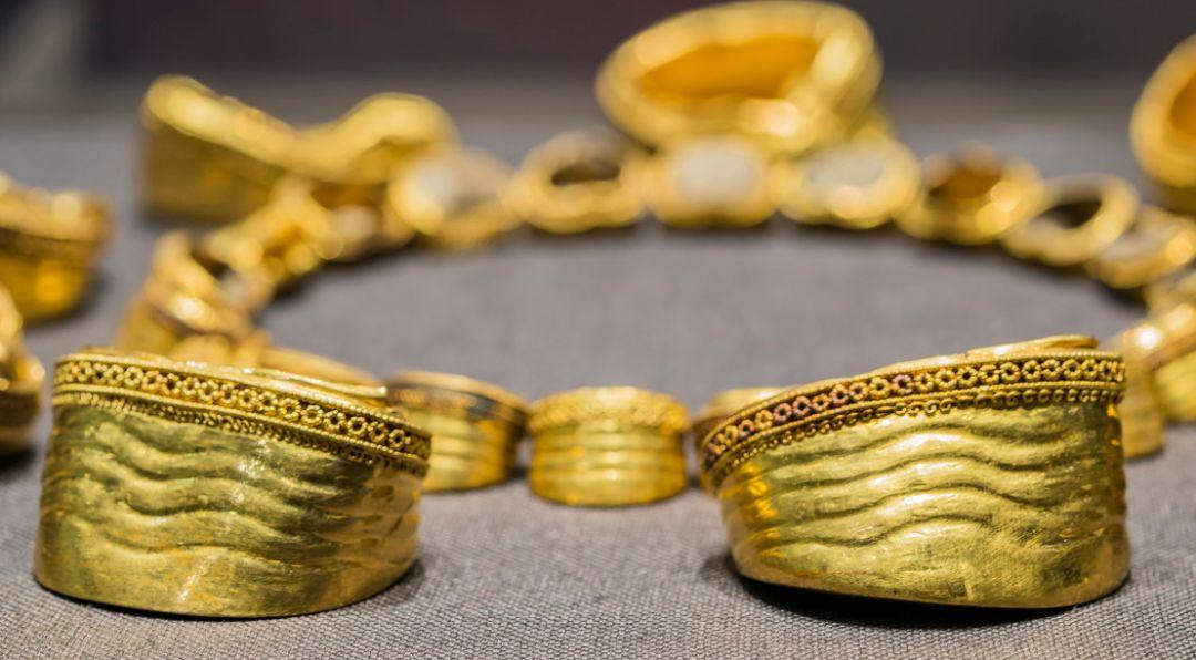 从神坛走向凡间的黄金