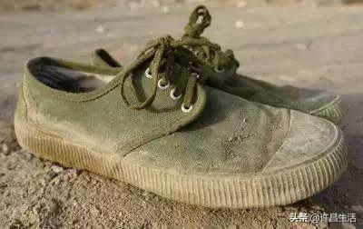 你们眼中土得掉渣的解放鞋