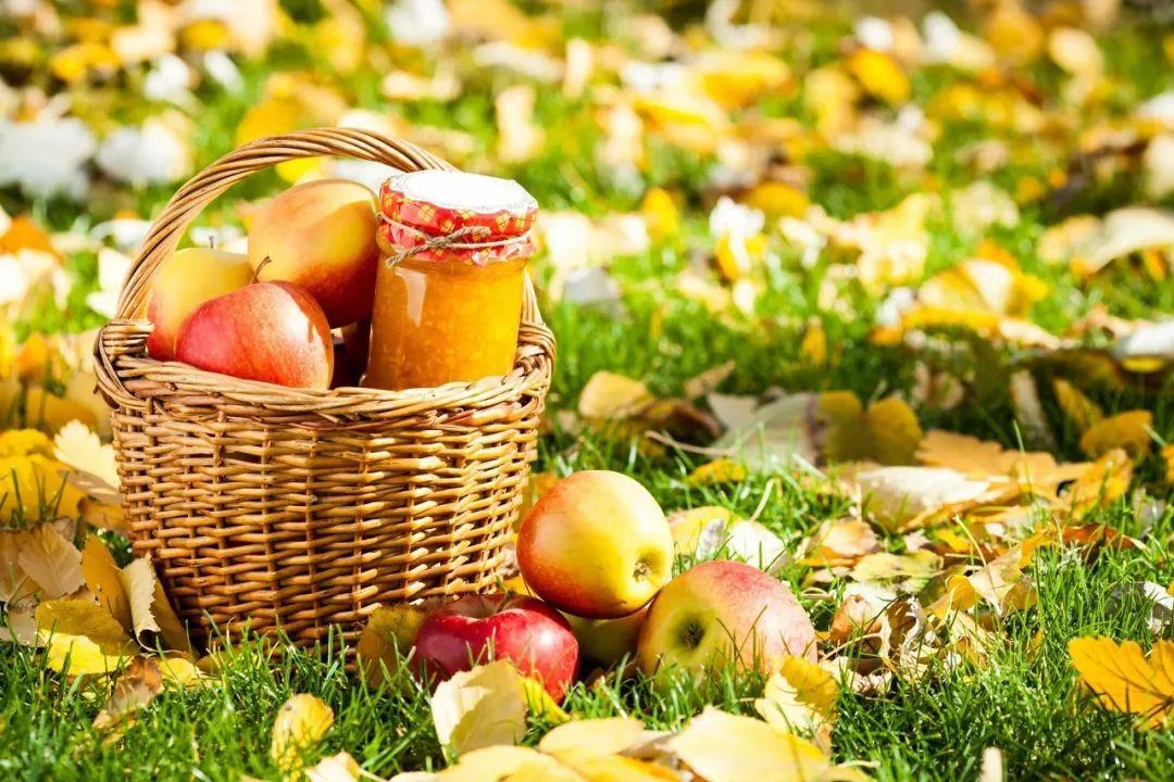 百果园那是目前全球最大的水果连锁企业,目前有3000多家门店,2018年年销售额预计突ç<br>´ä¸€ç™¾äº¿!