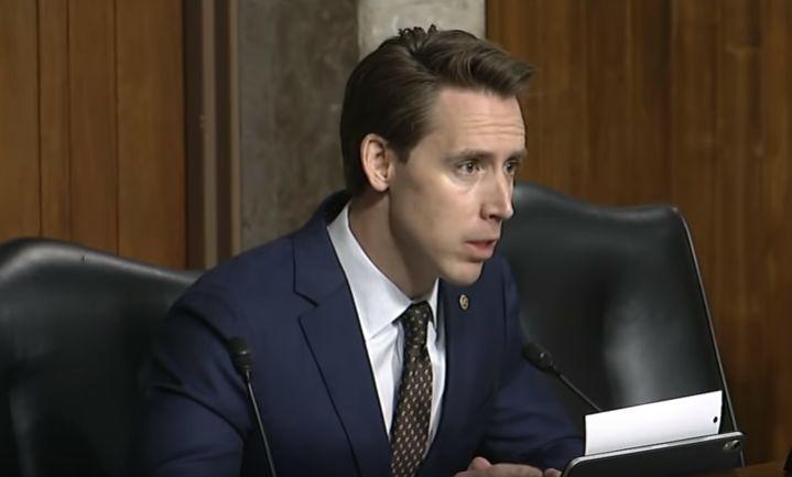 为禁止美国公司将用户数据存储在中国:美参议员提出一项新法案