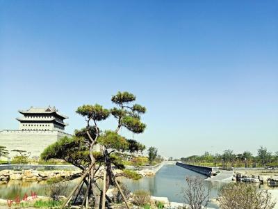 走入历史感受人文体验古风 太原古城公园开门迎客_护城河