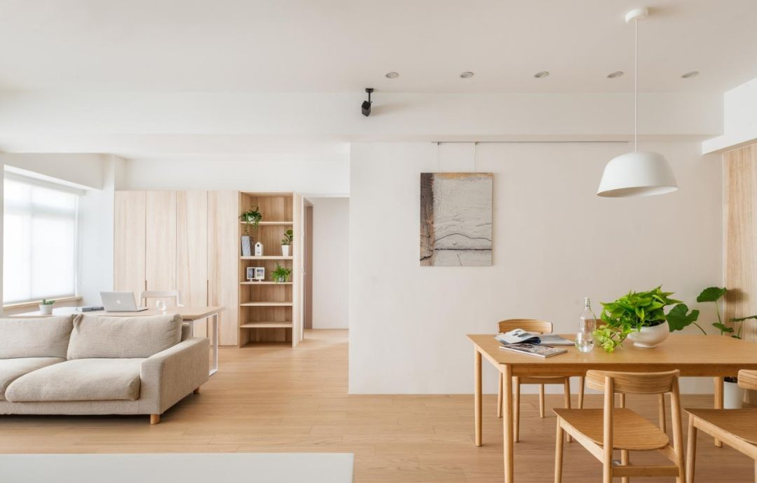 不需要过多的色彩堆砌,简单的原木色+白色,就能打造出日式风格独有的