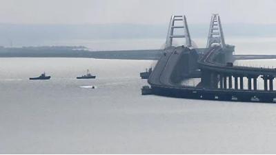 俄罗斯向乌克兰归还扣押军舰 泽连斯基:船上少了点武器_调查
