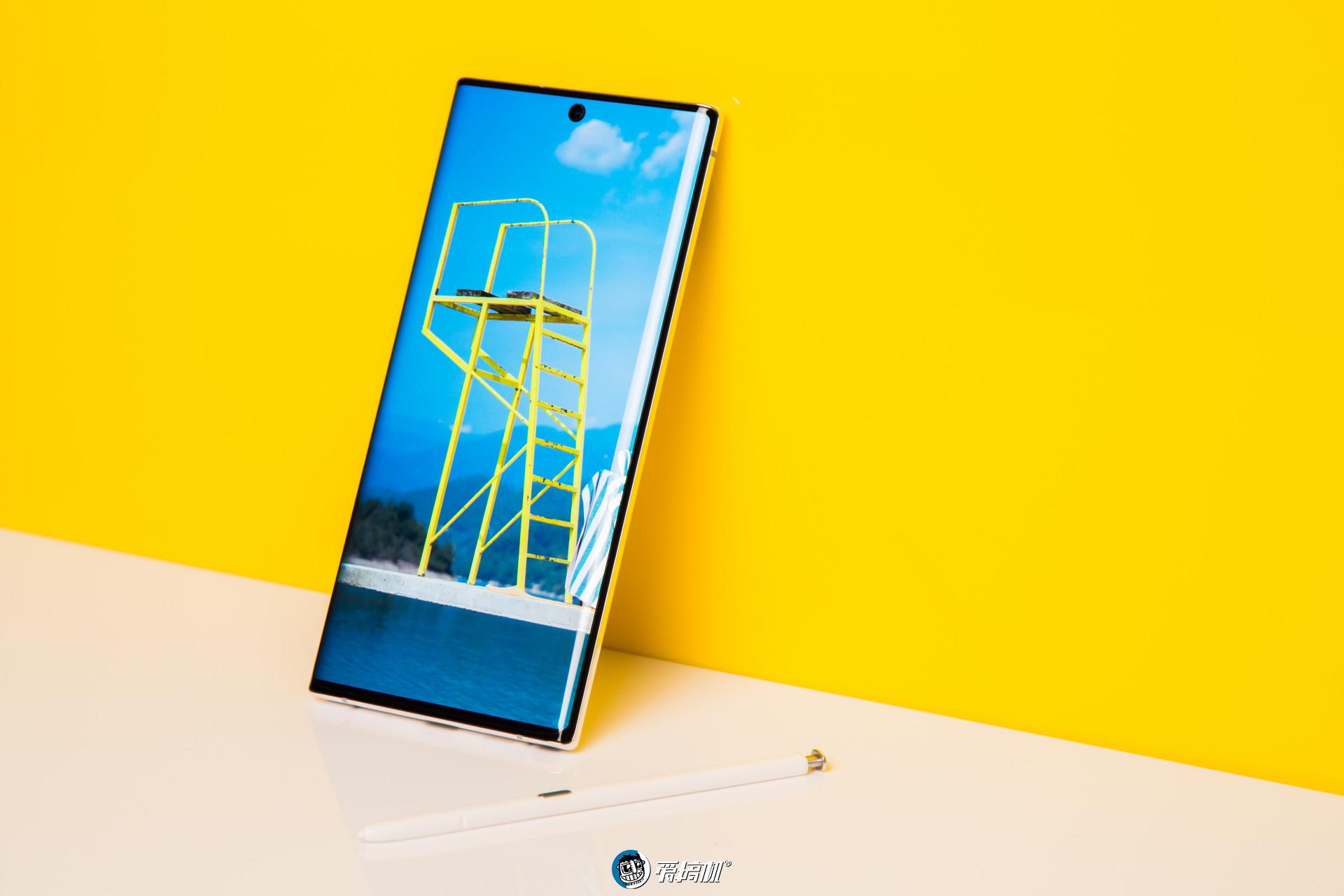 三星新系統暗示GalaxyS11配120Hz屏幕,高刷新率已成旗艦標配?