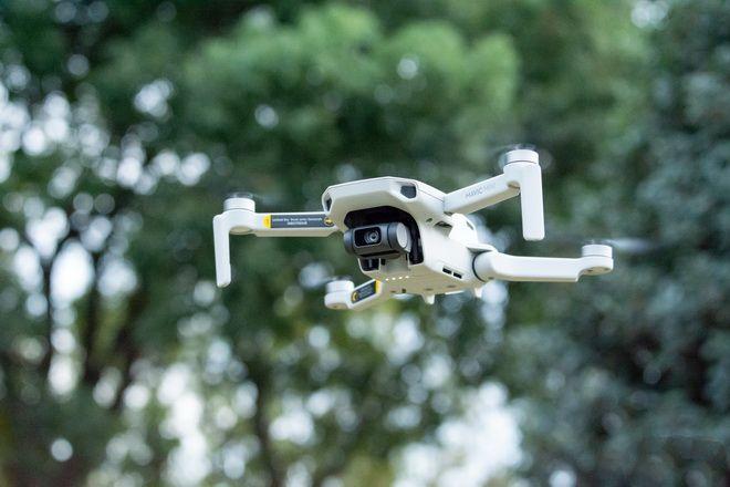 新手入门大疆Mavic Mini的无人机:买得起易上手
