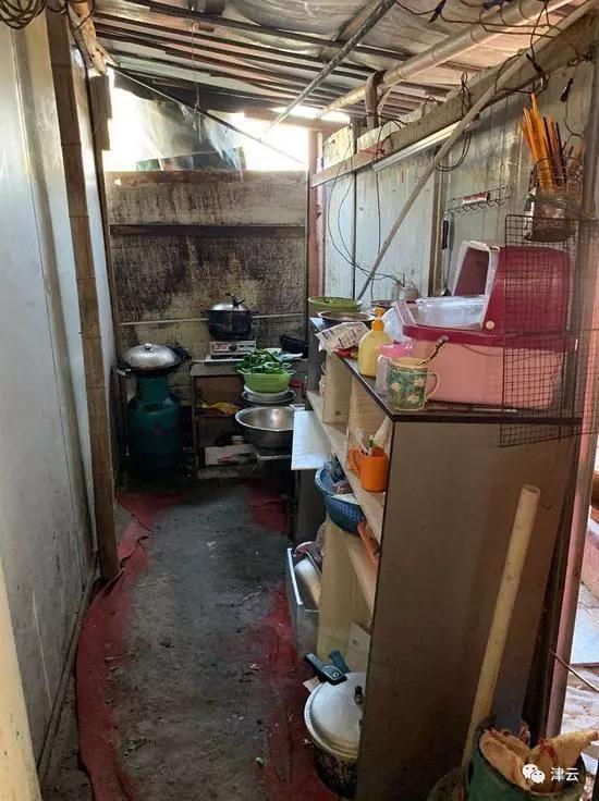 """一个河南孩子在上海死亡:咽下农药和咽不下的""""嘲笑"""""""