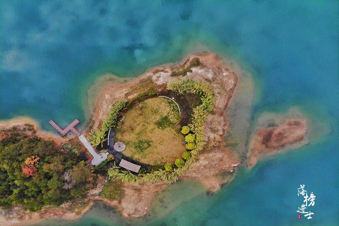 """原创千岛湖被誉为""""天下第一秀水"""",其实背后还有很多捡垃圾的河长"""