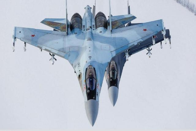 不是土耳其也不是印度,又一国向俄罗斯求购武器,美:敢买就制裁