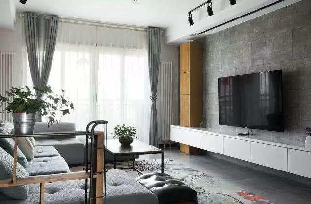 <b>新房装修选投影仪还是电视哪个更适合家用</b>