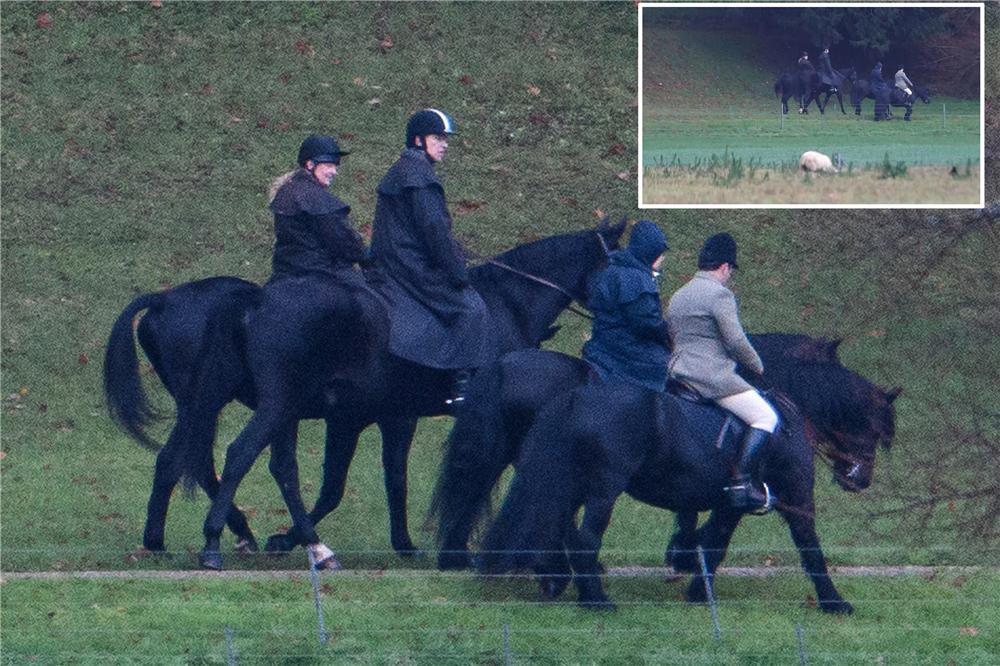 """原创 穿同一件衣服,带儿子去骑马,英女王到底还是站在""""宠儿""""身边"""