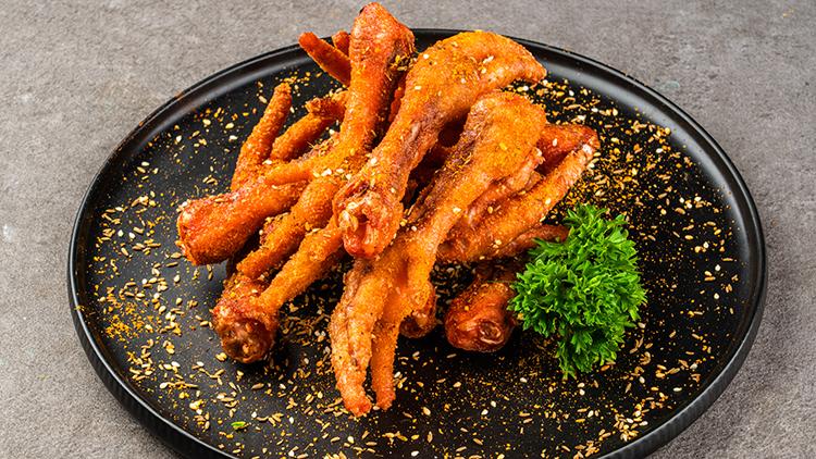 麻辣客官:色香味俱全的手撕鸡架,每一样都能俘获你的胃