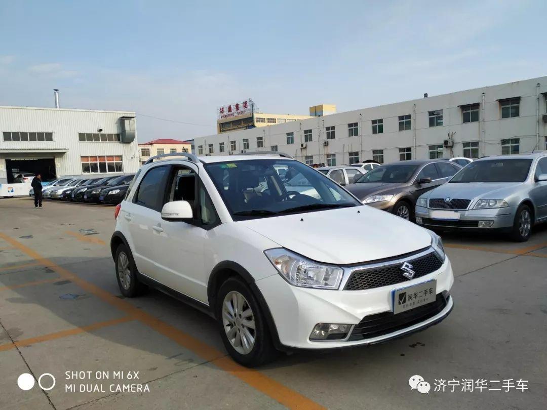 铃木天宇SX4两厢2013 1.6L手动舒适