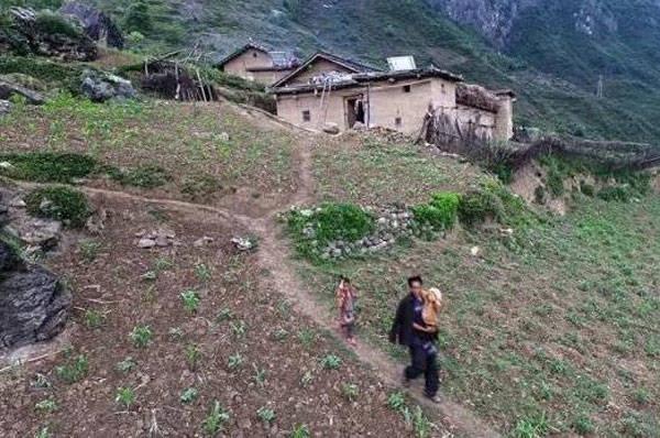原创农村有两个儿子的家庭,将来面临三大难题,避不开的!