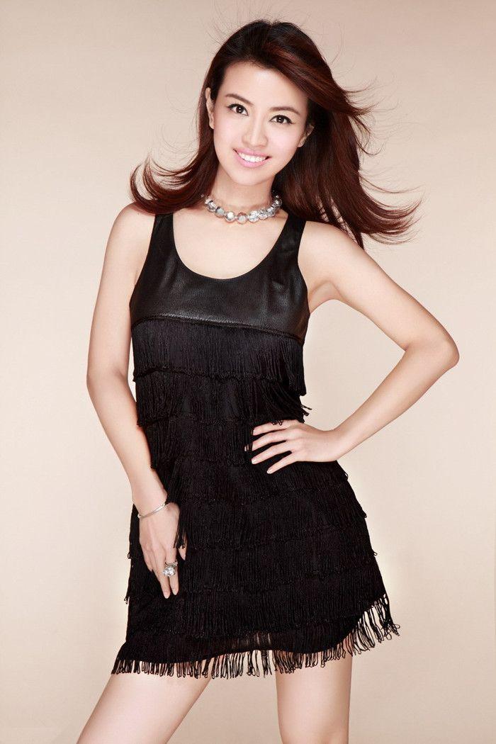 美女李蜜   词条:李蜜   李蜜,2007年第五届中央电视台电视节目主持人大赛银奖,现为cctv电影频道《中国电影报道》《音乐之声》主持人.图片